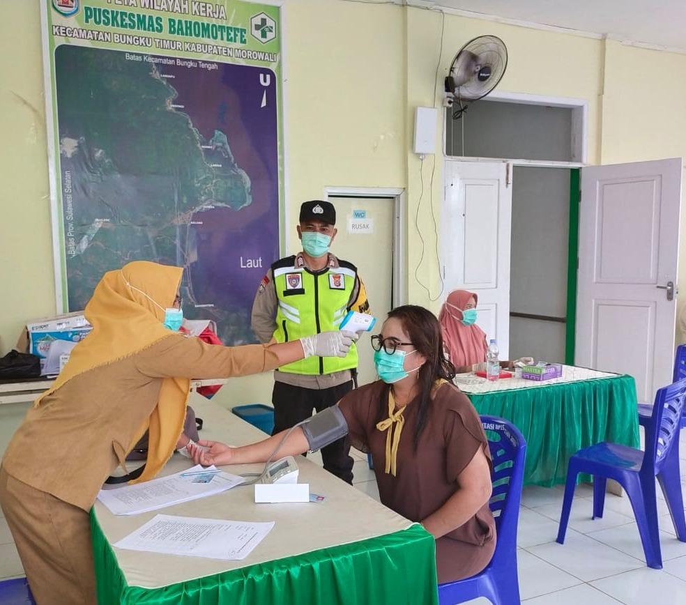 foto: Pemeriksaan kesehatan sebelum divaksin
