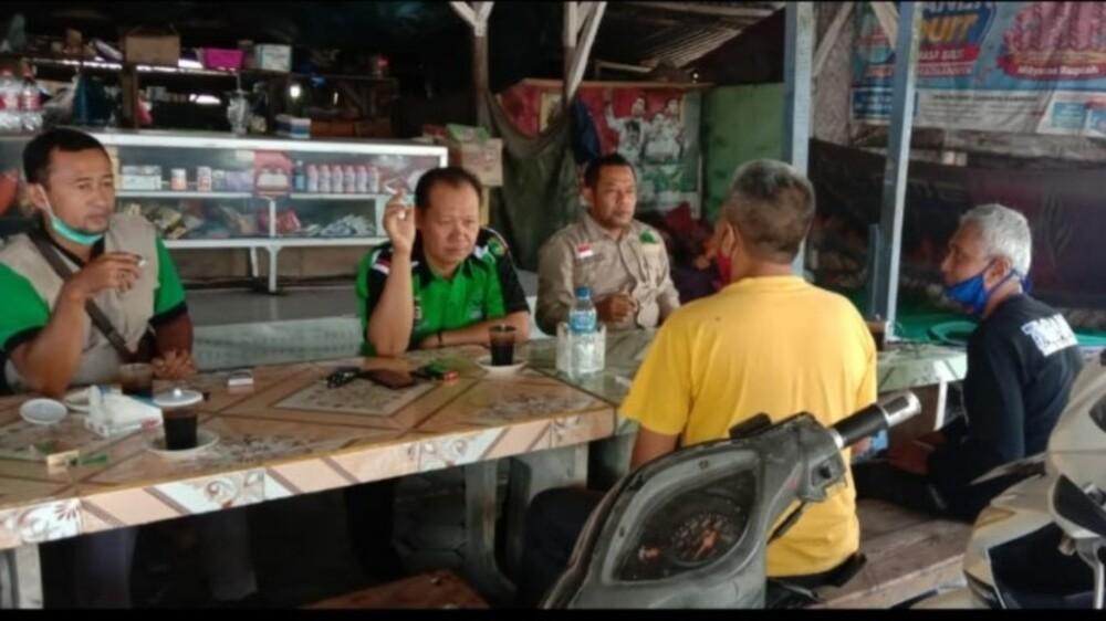 foto : Pengurus RAPINAS Bersama Ketua RAPI Lokal 09 Jember Selatan
